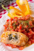 Vegetarian cabbage rolls with spinach and salsa — Stock Photo