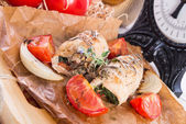 Chicken breast with spinach, baked tomatoes and herbs — Stock Photo