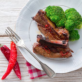Grilled ones rib with broccoli — Stock Photo