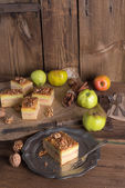 Apple strudel with vanilla pudding and nuts — Stok fotoğraf