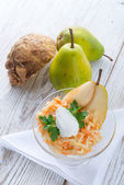 Sellerie-salat mit birne — Stockfoto
