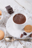 Chocolate caliente con galletas — Foto de Stock