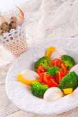 Marbled eggs with vegetables — Stock Photo