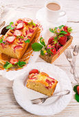 Strawberry cake — Стоковое фото