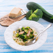 Farfalle pasta with zucchini — Stock Photo