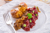 Liver with Cranberries — Stockfoto