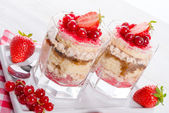 Strawberry - currant crumble Dessertt — Stock Photo