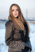 Woman in winter coat outdoors — Stock Photo