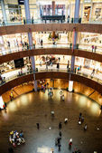 DUBAI, UNITED ARABIAN EMIRATES - FEBRUARY 07:The bigesst mall in the world Dubai Mall on February 07, 2014 in Dubai, Ubited Arabian Emirates. — Stock Photo