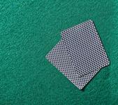 Poker-Chips auf ein Poker-Tisch — Stockfoto