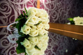 Wedding bouquet of white roses — Stock Photo