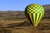 Balloon Accross The Desert — Stock Photo