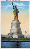 Old postcard of the statue of Liberty — Stock Photo