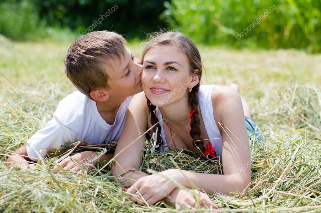 porno-brat-molodenkaya-sestra