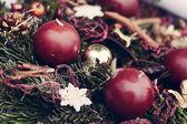Christmas candles on pine garland decoration — ストック写真
