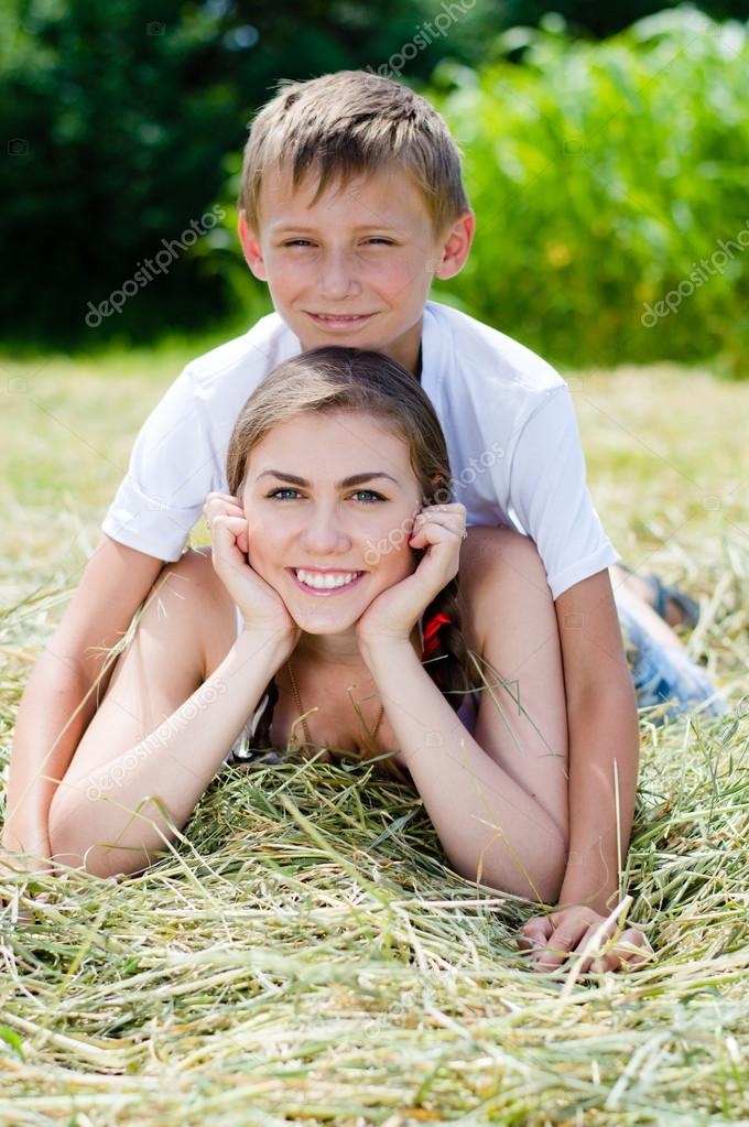Смотреть младший брат хочет старшую сестру онлайн в хорошем hd 1080 качестве фотоография