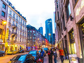在认为大街街头生活 — 图库照片
