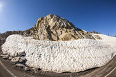 Snow on Mount Lassen in the national park — Stock Photo