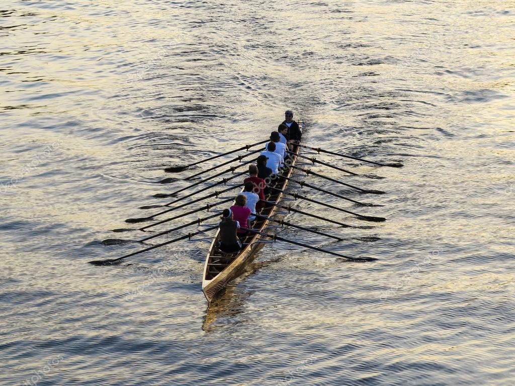 Rowers training on the river — Stock Photo #13194846