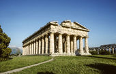 Ancient Temple of Hera built by Greek colonists, in Paestum, Ita — Stock fotografie