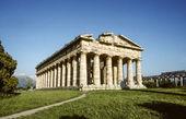 Starożytna świątynia hery zbudowany przez greckich kolonistów, w paestum, ita — Zdjęcie stockowe