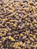 Raisins sold on the outdoor market — Stock Photo