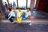 Family rests in Jama Masjid Mosque, old Delhi, India. — Stock Photo