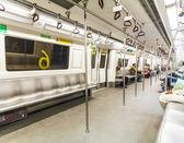 Passengers alighting the metro train — Stock Photo