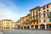 Old market place of romantic City Basano del Grappa in early mor — Stock Photo