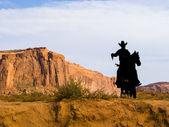 Ковбой силуэт в точке Форды Джон в долине монументов — Стоковое фото