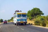 Travel by overland bus at the Jodhpur Highway — Zdjęcie stockowe