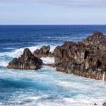 Rough cliffs at the shore of Lanzarote — Stock Photo