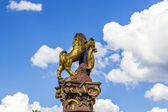 Golden lion at the parliament in Wiesbaden — Stock Photo