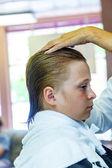 Jovencitos en la peluquería — Foto de Stock