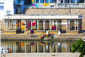 Wash themselves in the holy lake in the City of Pushkar, — Stock Photo