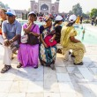 Visit Taj Mahal in Agra and have a rest on a bench, India — Stock Photo