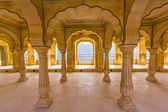 Columned hall of Amber fort. Jaipur, India — Stock Photo
