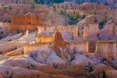 Beau paysage dans le canyon de bryce à sunrise — Photo