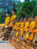 Buddha statues at the temple of Wat Yai Chai Mongkol in Ayutthaya near Bangkok, Thailand — Stock Photo