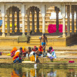 At rituell washing  in the holy lake in Pushkar, India. — Stock Photo