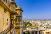 View to ancient city of Udaipur from the Kumbhalgarh Fort — Stock Photo