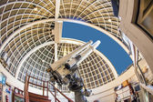 Famous Zeiss telescope at the Griffith observatory — Stock Photo