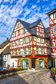 Old town of wetzlar with timbered houses and carvings in the woo — 图库照片