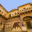 Beautiful old haveli in Mandawa, Rajasthan, India — Stock Photo #21592561