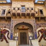 Постер, плакат: Beautiful old haveli in Mandawa Rajasthan India