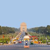 Kijk op rajpath boulevard naar india gate — Stockfoto