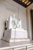 Statue of Abraham Lincoln at the Lincoln Memorial — ストック写真