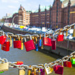 Lockers at the Speicherstadt bridge symbolize love for ever — Stock Photo