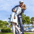 Statue Unconditional surrender by Seward Johnson — Stock Photo #30826429