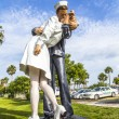 Statue Unconditional surrender by Seward Johnson — Stock Photo